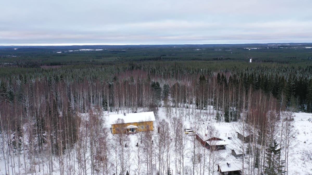 Ilmakuva Kannonkosken Lakomäen alueesta.