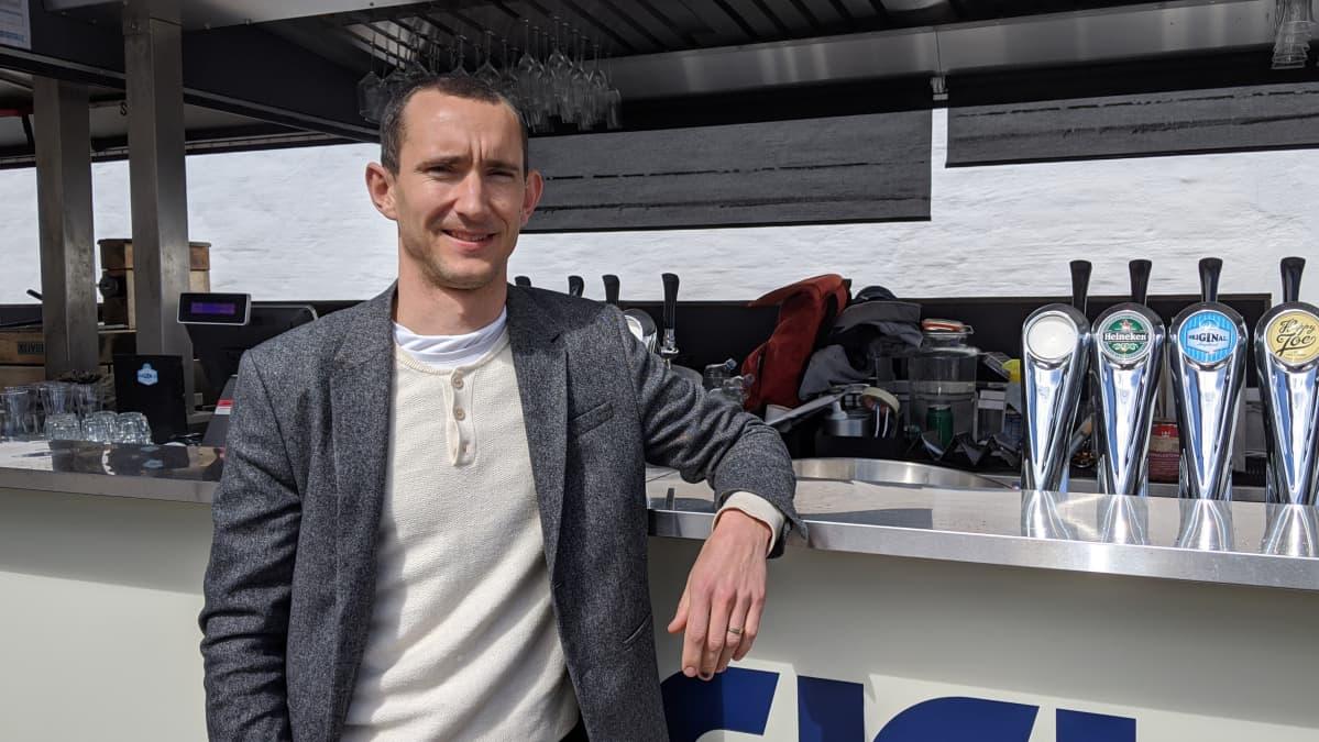 Jens Hamph, ravintoloitsija, Dekki