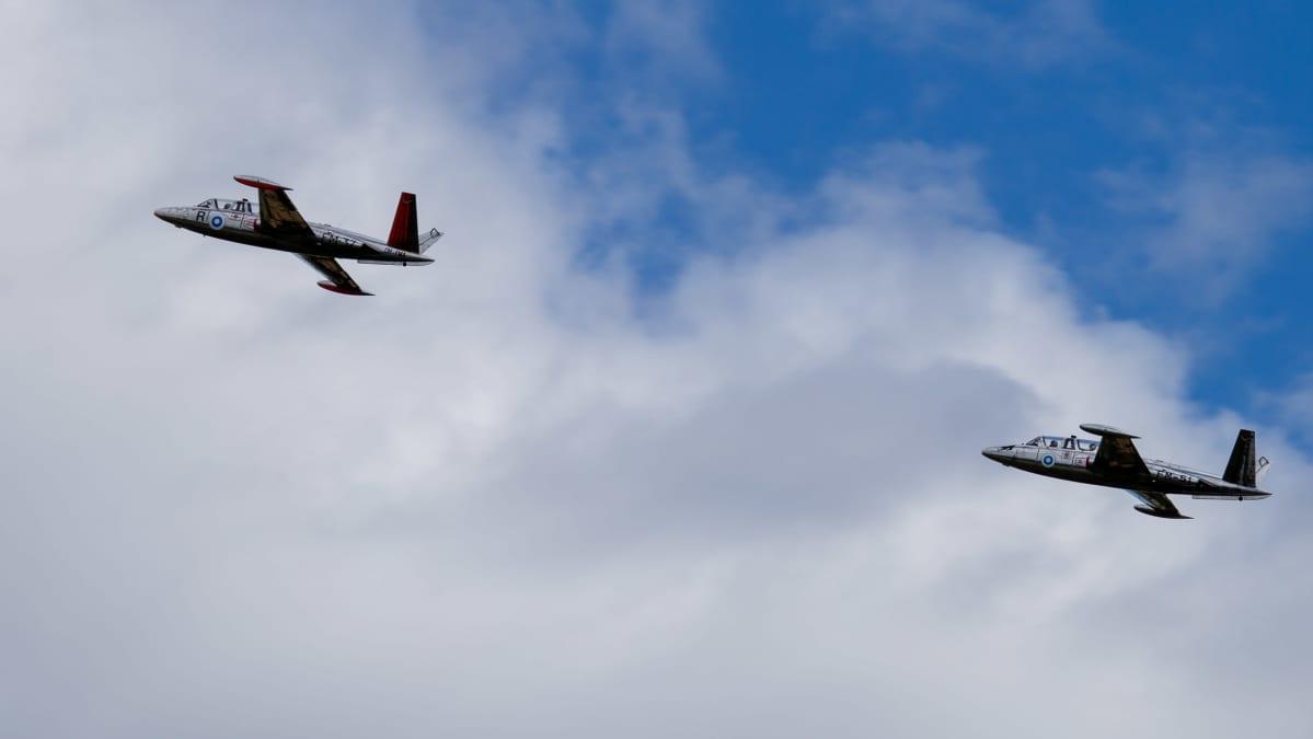 Fouga-koneita on Suomessa lentokuntoisia enää kaksi. Nämä Kauhava Airshowssa.