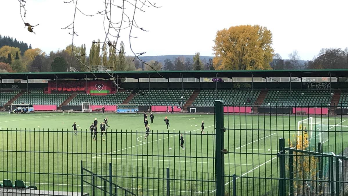 Lahden kisapuiston jalkapallostadion
