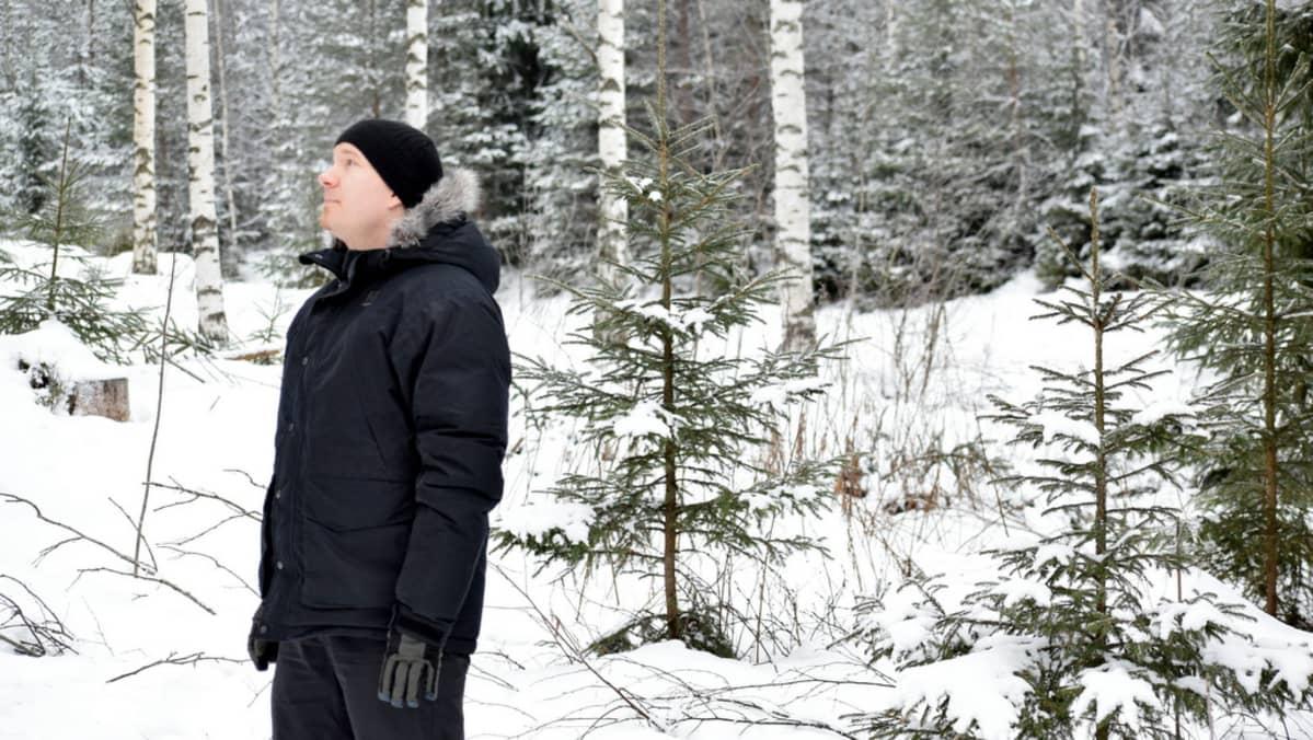 Johannes Marttinen metsässä