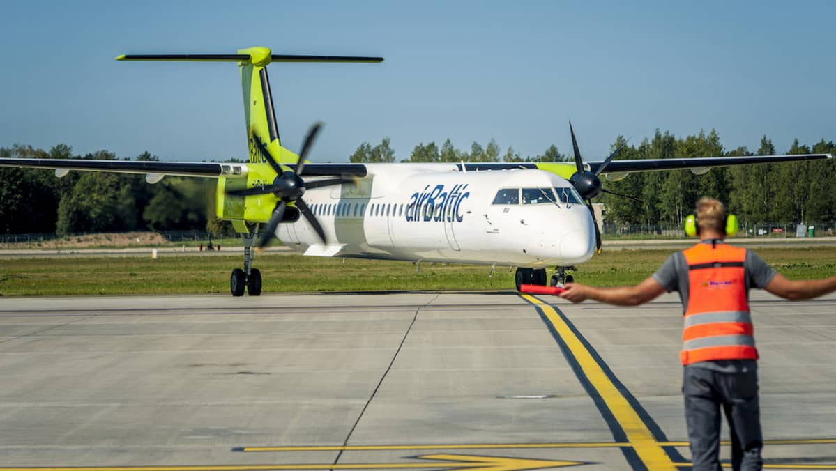 airbaltic Q400 potkuriturbiinikone