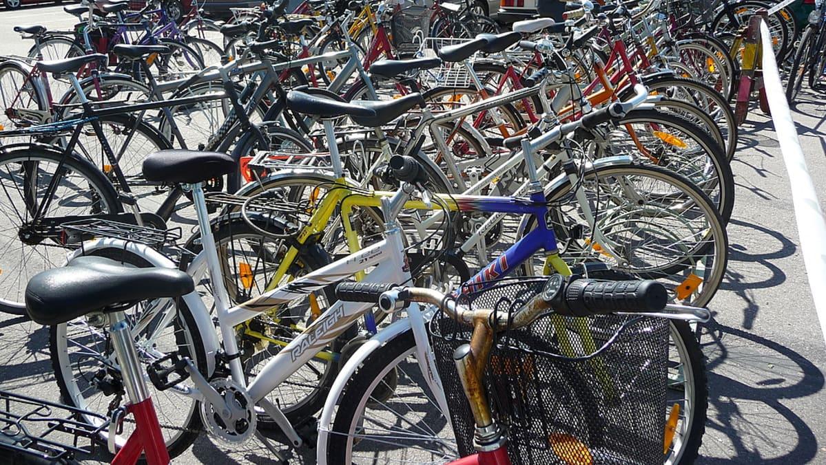 Imatran Big Band  -festivaalien yleisö saapui paikalle polkupyörillä.