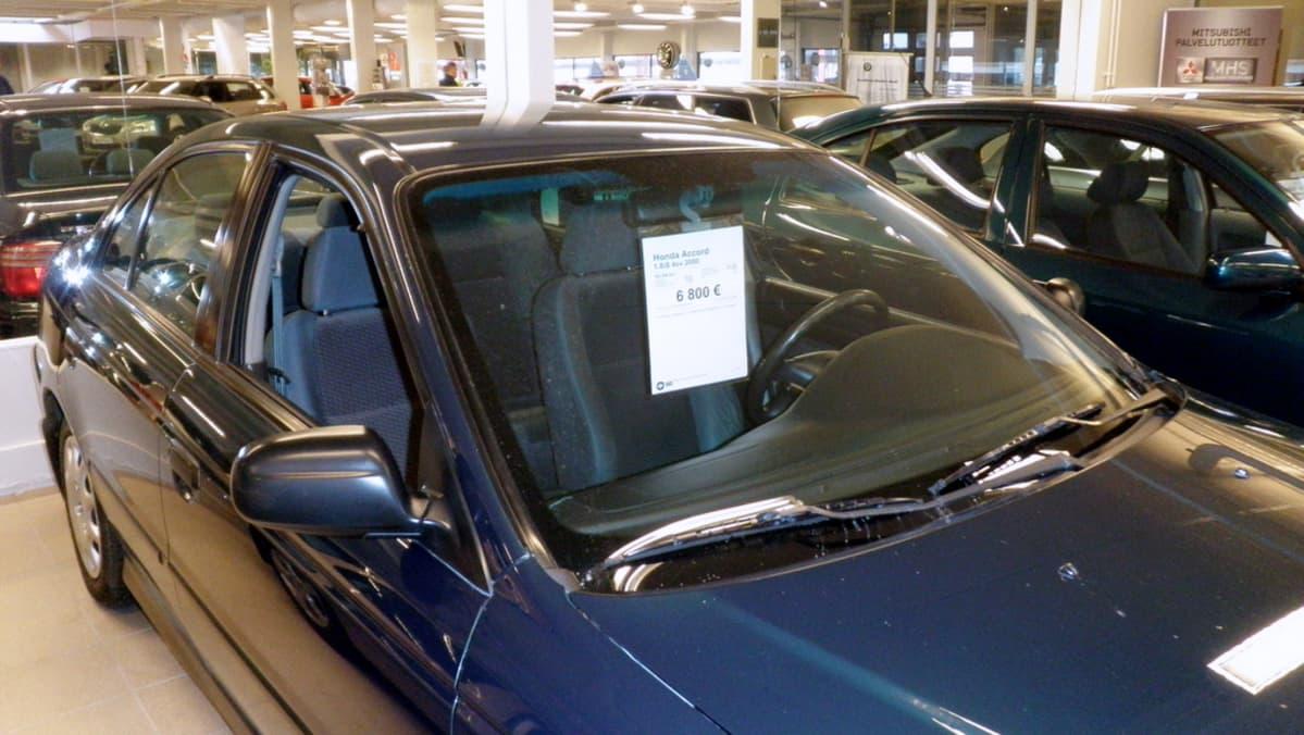 Autoja autokaupassa