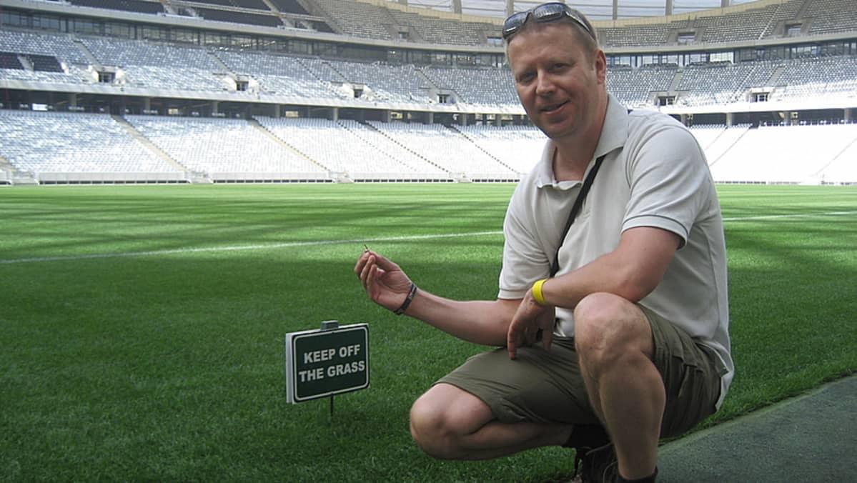 Tässä Kapkaupungin stadionin ruoholla pelataan muun muassa MM-kisojen semifinaali. Finaali pelataan Johannesburgissa.