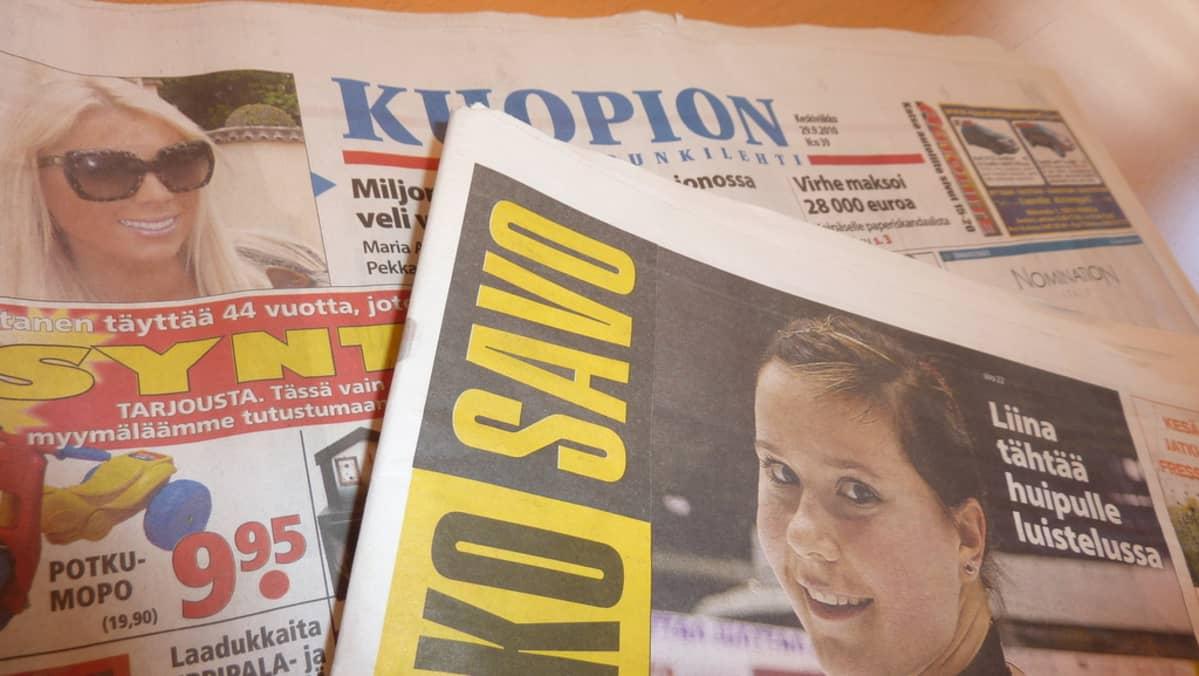 Kuopion Kaupunkilehti ja ViikkoSavo pöydällä