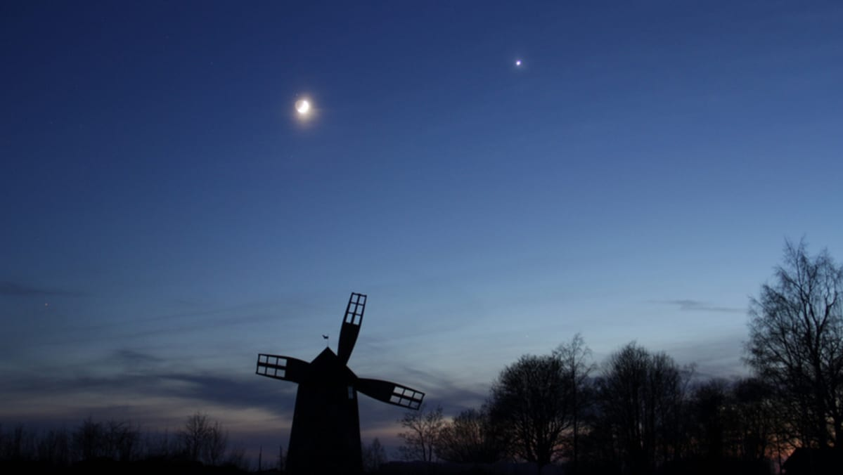 The Moon, Venus and a windmill