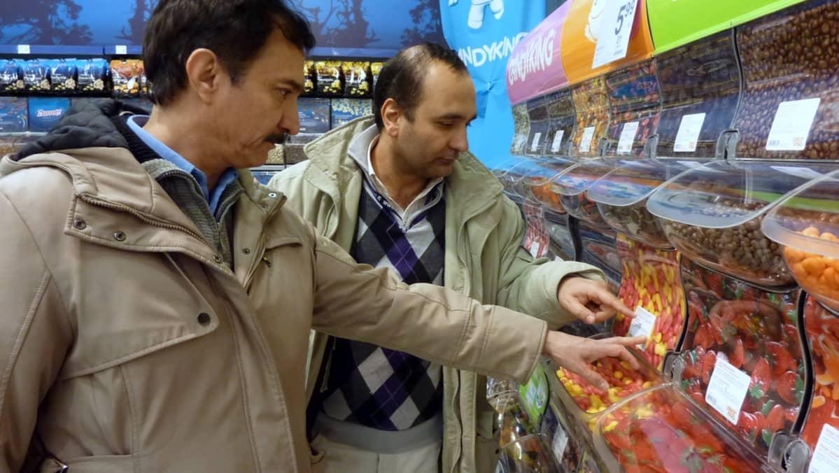 Ahmadshah Bayat ja hänen ystävänsä Ahmardjaad Hakim