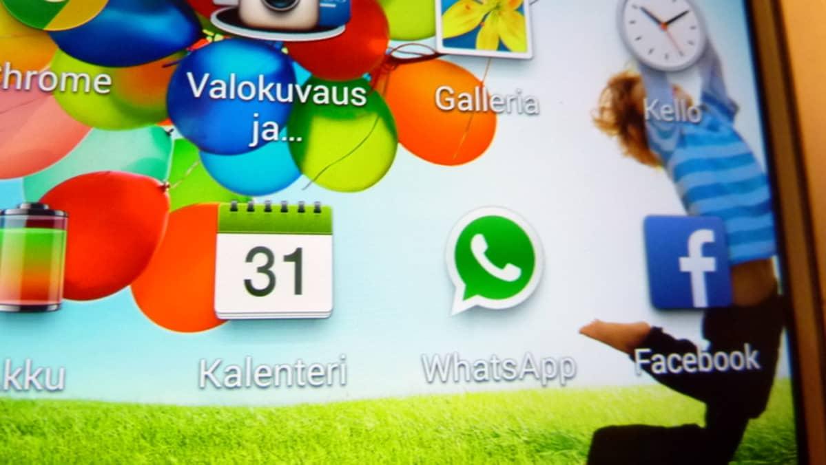 Nuoret kiusaavat toisiaan Whatsappin avulla