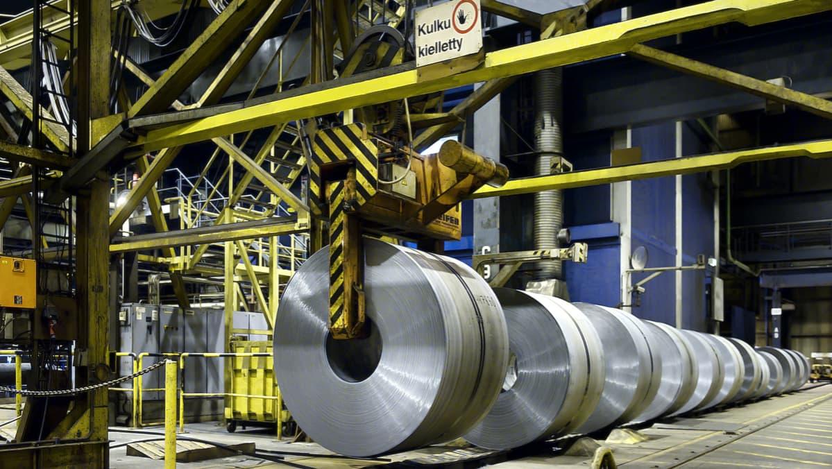 Teräsrullia SSAB:n Hämeenlinnan tehtaalla