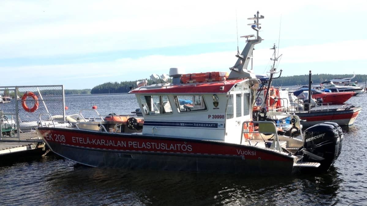 Etelä-Karjalan pelastuslaitoksen uusi pelastusvene Vuoksi. (27.6.2014)