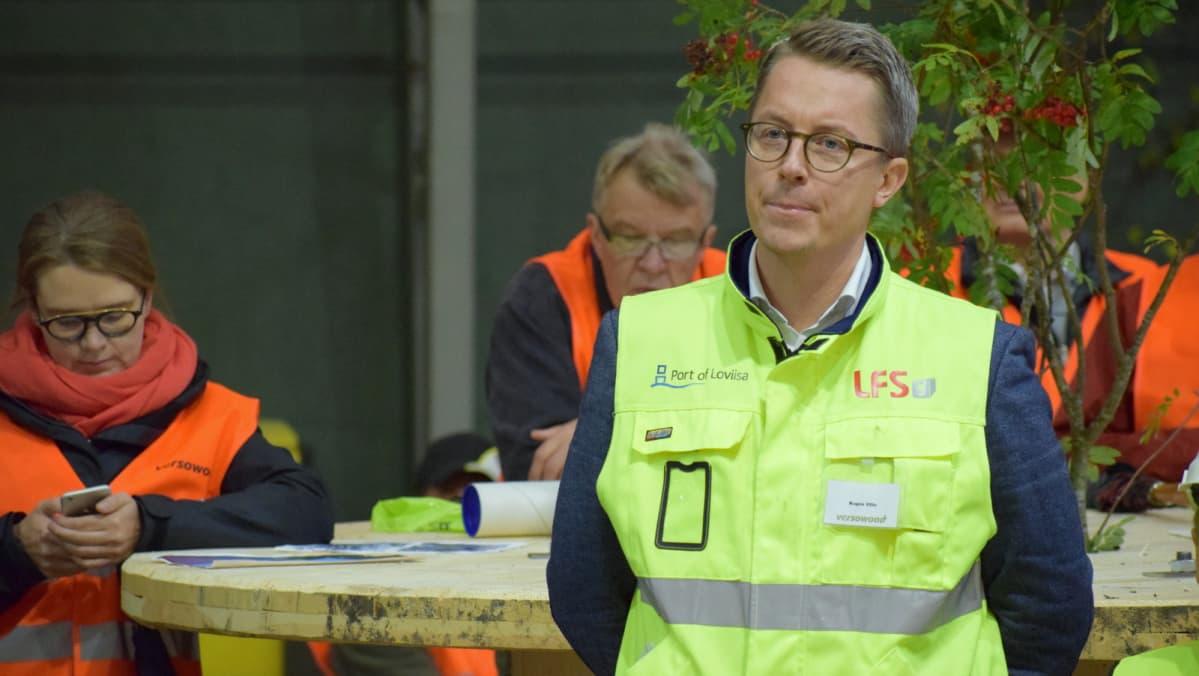 Versowoodin toimitusjohtaja Ville Kopra yhtiön yleisötilaisuudessa.