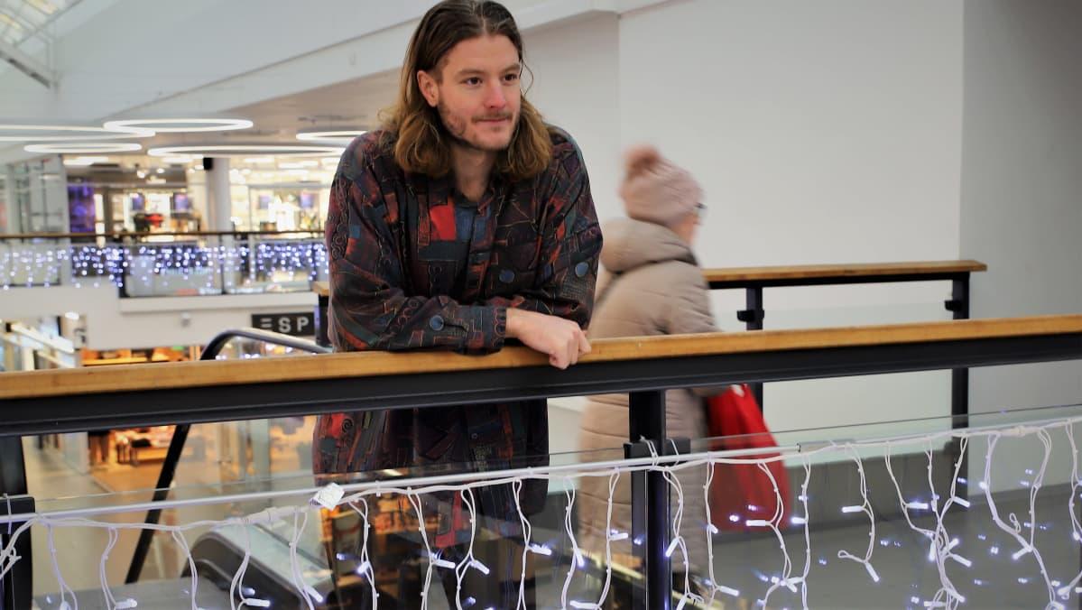 Matti Tuomaala ostoskeskuksessa