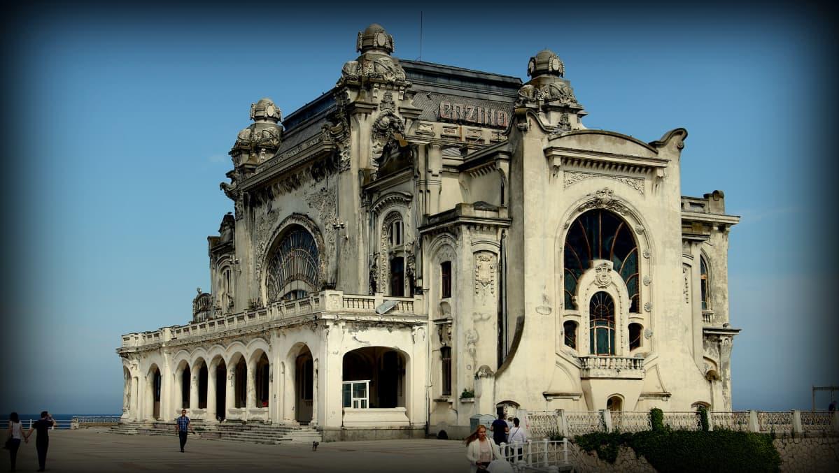 Constantan loistelias kasino oli ylimystön lomakohde vuosisadan alussa. Nyt se on hylätty.