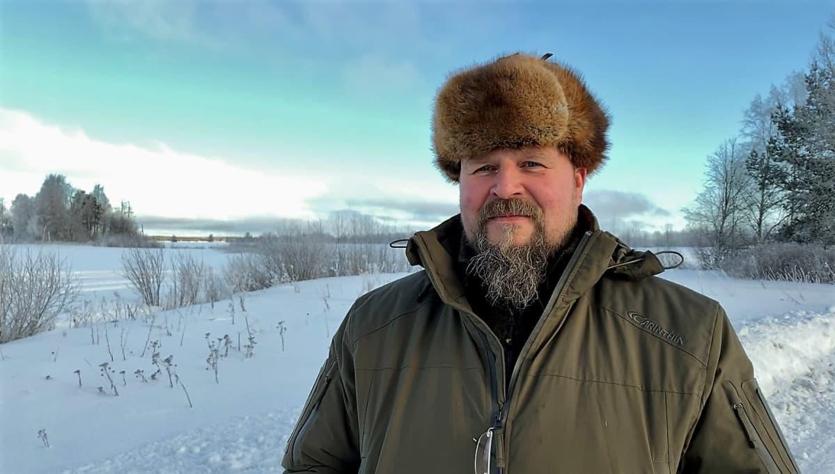 Antti Paasivaara Luonnonvarakeskuksesta on iloinen metsäpeurakannankasvusta Suomenselällä.