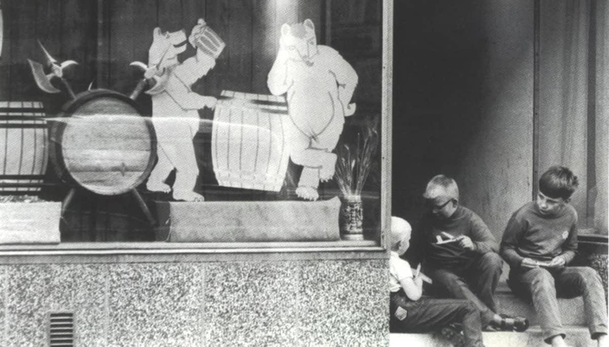 Pojat Ravintola Ohranjyvän portailla 1960-luvulla