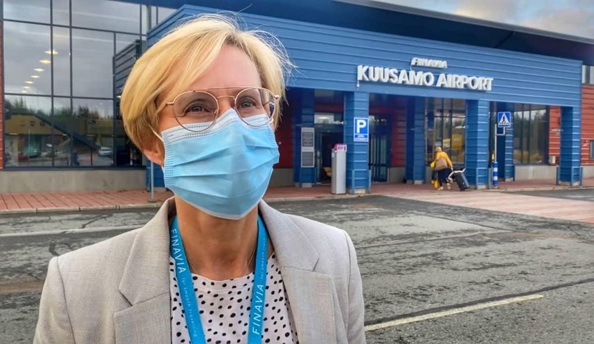 Kuusamon lentoaseman päällikkö Sari Päivärinta