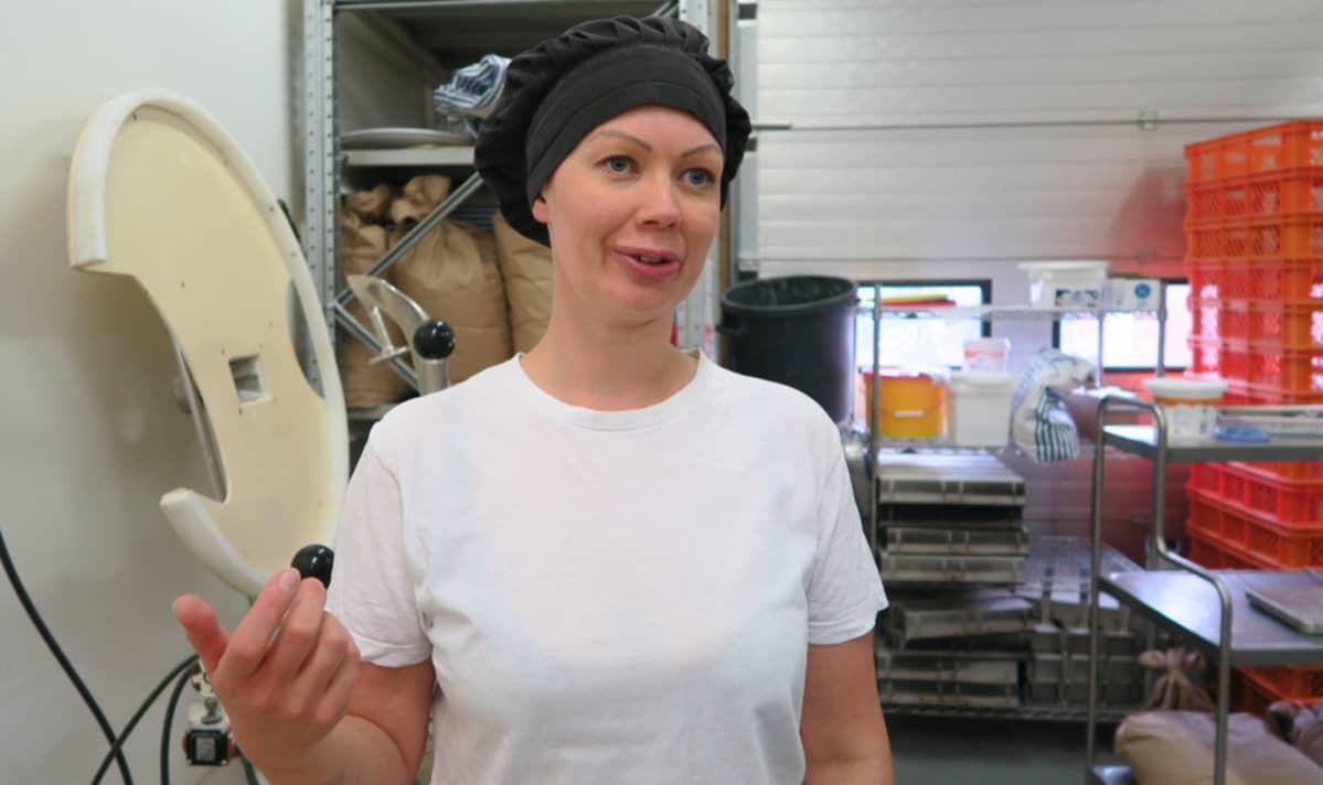 Anna Paija leipomossa