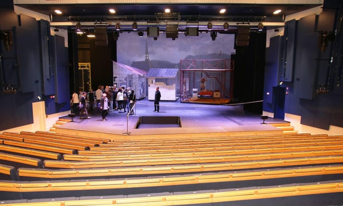 Rovaniemen Teatterin tupaantuliaiset