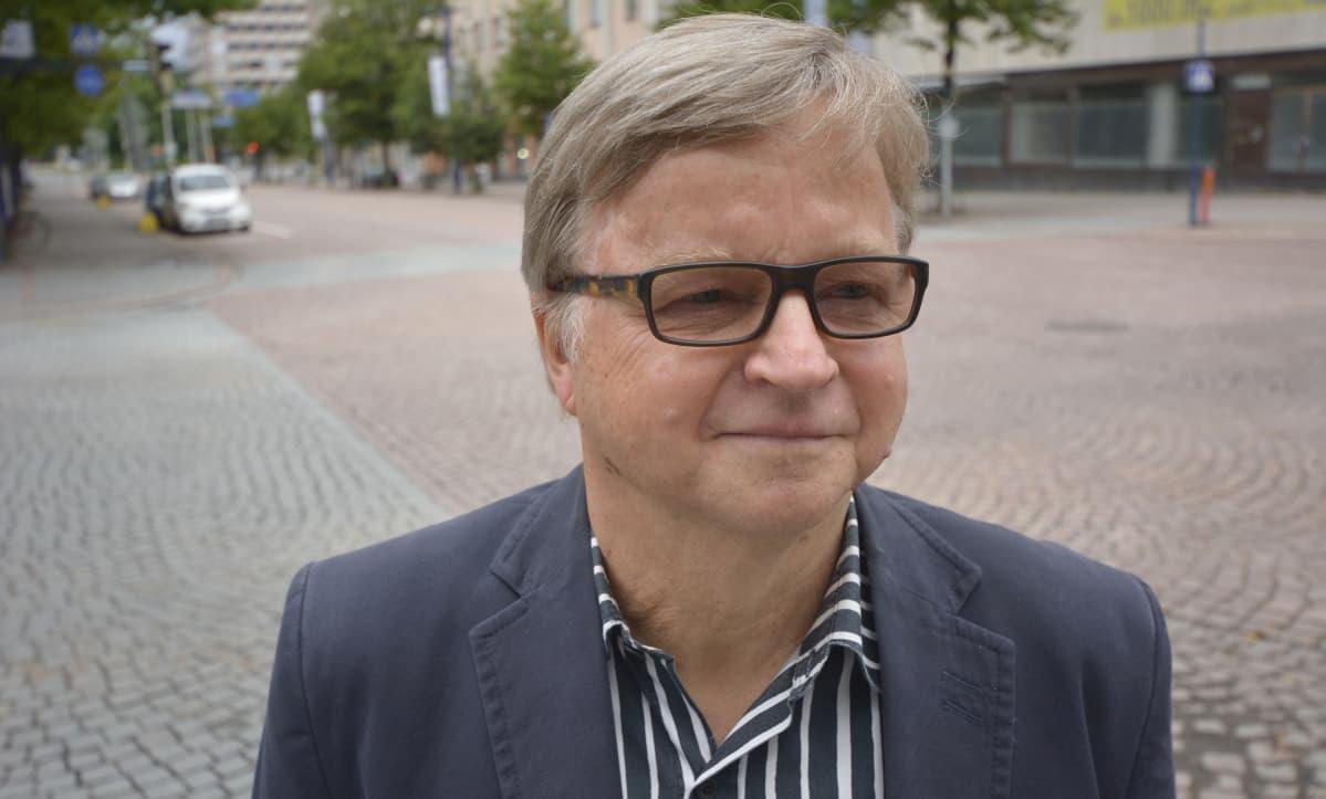 Teuvo Siivonen Lahden Aleksanterinkadulla.