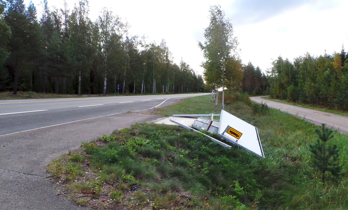 Myrsky teki tuhojaan Porissa 27.9.