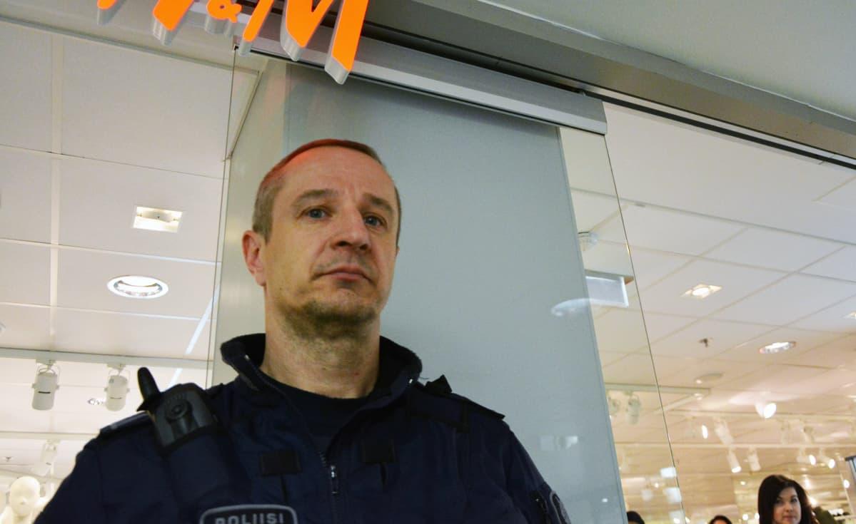 Ylikonstaapeli Peter Karlsson