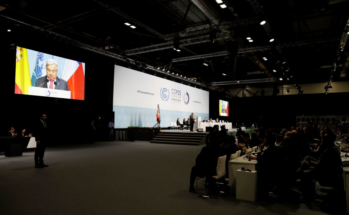Antonio Guterres puhuu Madridin ilmastokokouksessa.