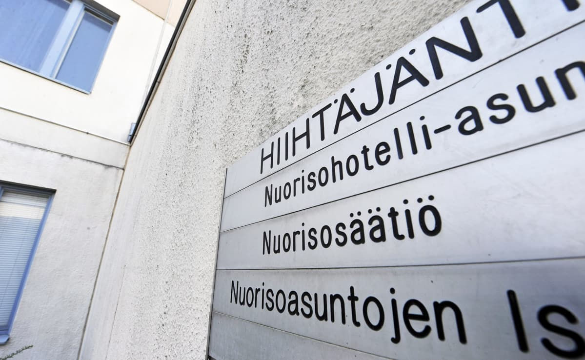 Nuorisosäätiön nuorisohotelli Hiihtäjäntiellä Helsingissä