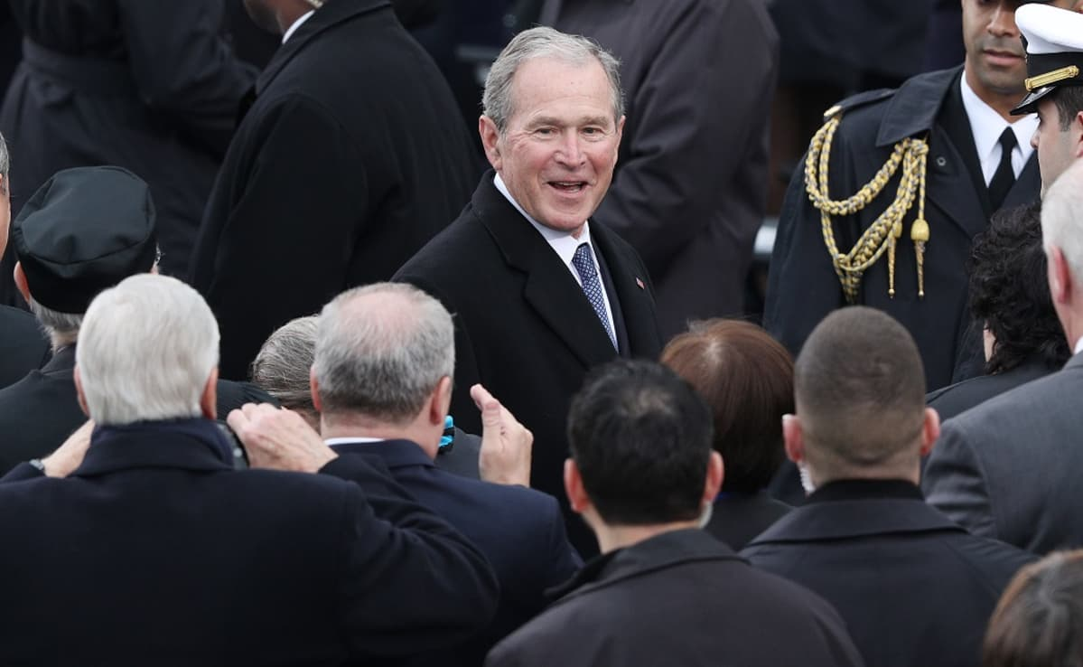 Bush nuorempi