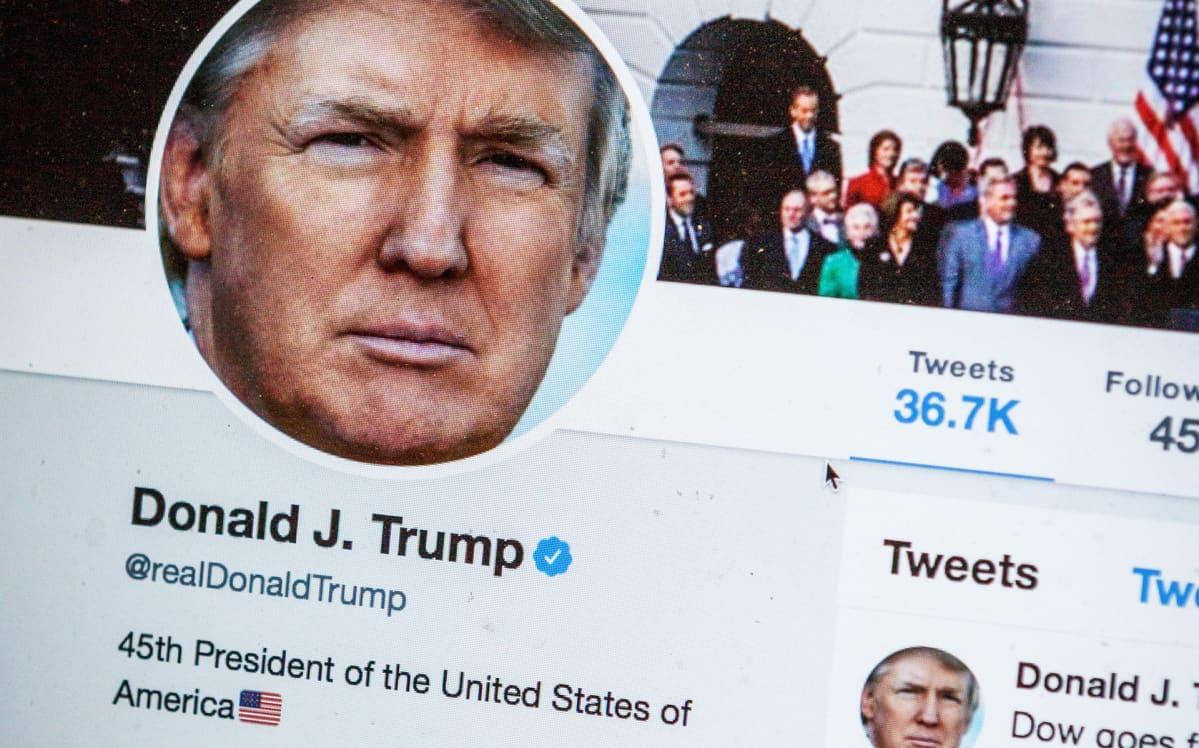 Kuvakaappaus Trumpin Twitter-tilistä.