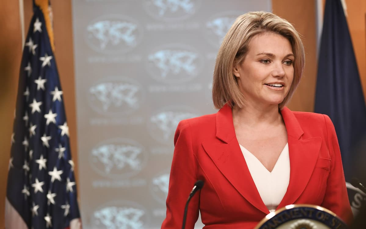 Heather Nauert puhuu.