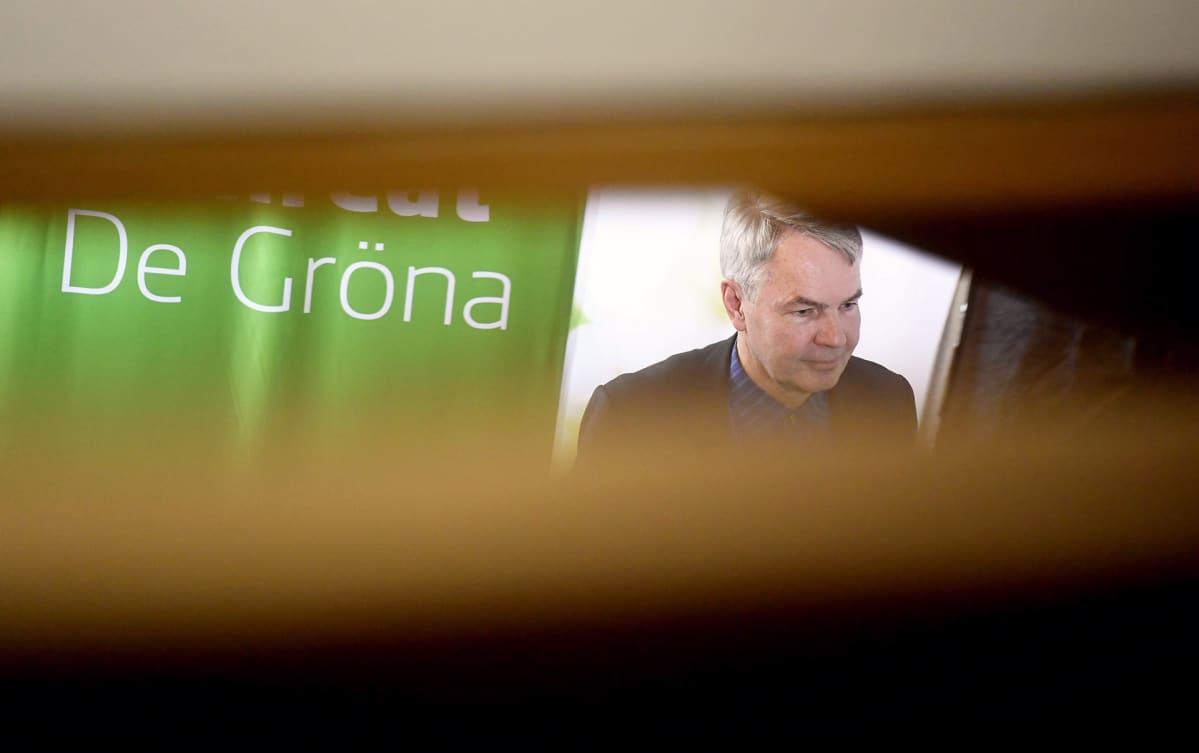 Puheenjohtaja Pekka Haavisto vihreiden puoluevaltuuskunnan kokouksessa eduskunnan Pikkuparlamentissa Helsingissä lauantaina.