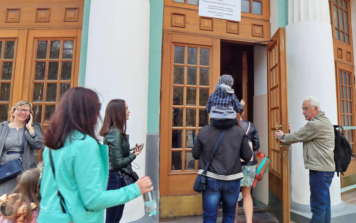 Ukraina Presidentinvaalit äänestys.