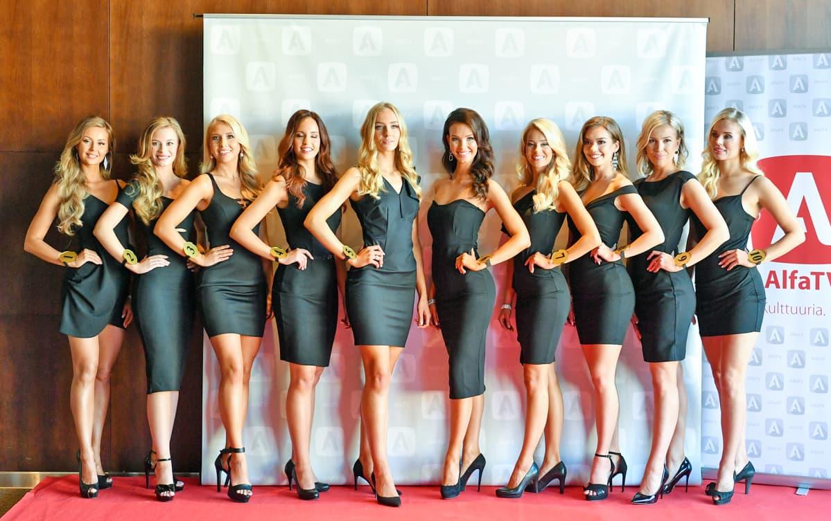 Miss Suomi 2019 finalistit ryhmäkuvassa.