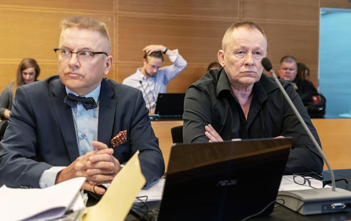 Asianajaja Markku Fredman ja Keijo Vilhunen.