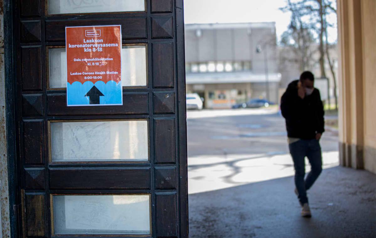 Koronaviruksen testauspiste Laakson sairaalassa 19.3.2020