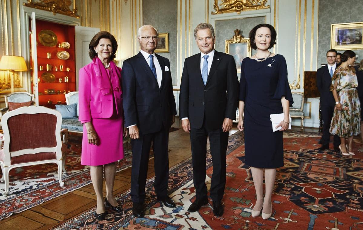 Sauli Niinistö, Jenni Haukio, kuningas Kaarle Kustaa ja kuningatar Silvia.