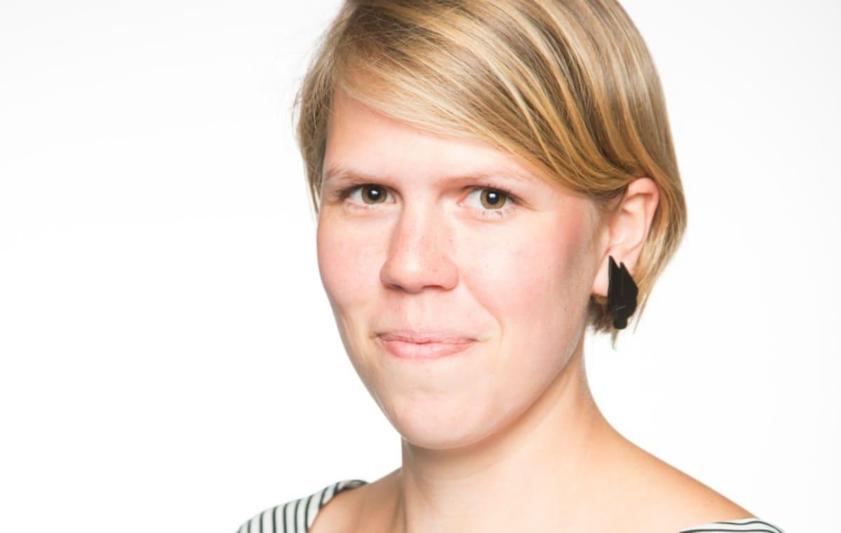 Julia Thurén, A2 Ero-ilta, Ajankohtainen kakkonen