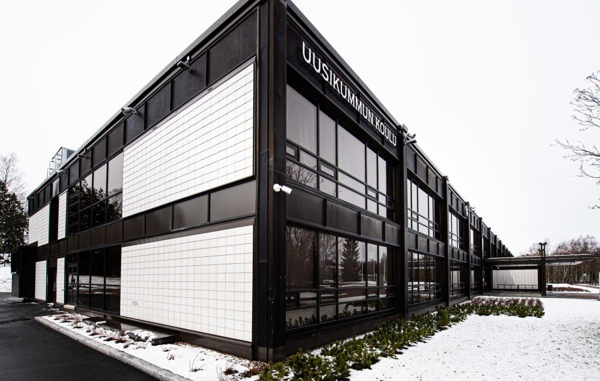 Uusikummun koulu Espoossa.