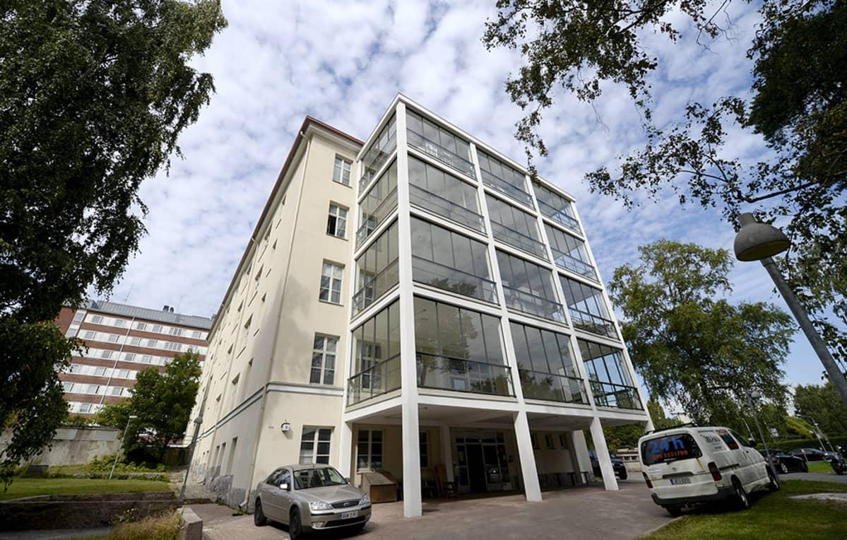 Helsingin Koskelan sairaala-alueelle avataan tilapäinen vastaanottokeskus turvapaikanhakijoille.