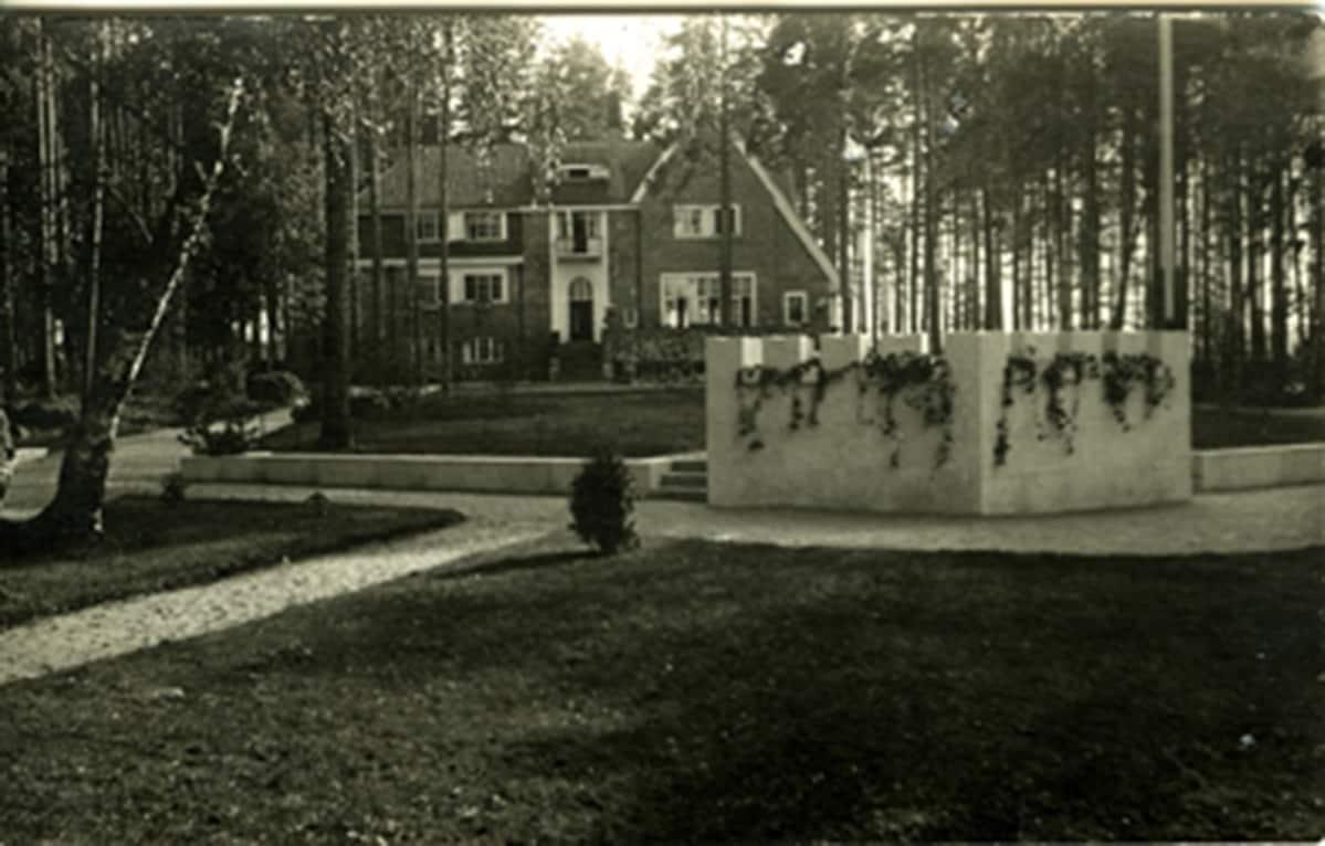 vanha kuva kauppaneuvos V. Sellgrenin huvilasta
