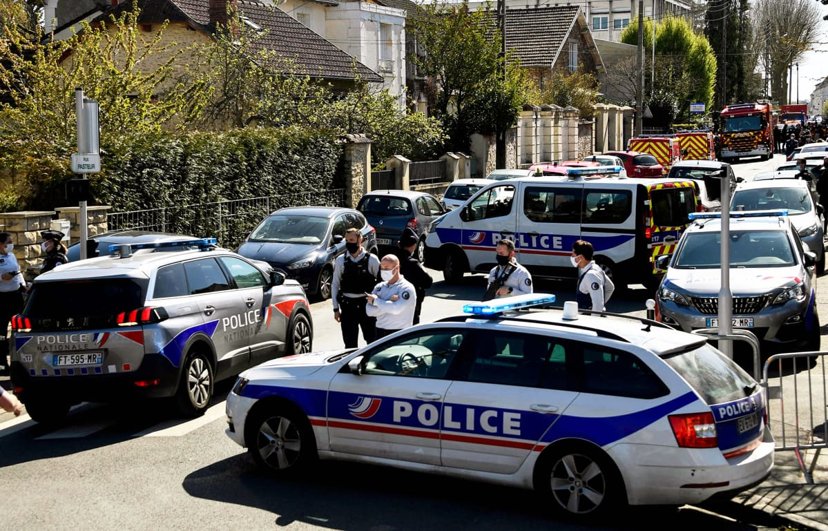 Poliisen katusulku Rambouilletissa.