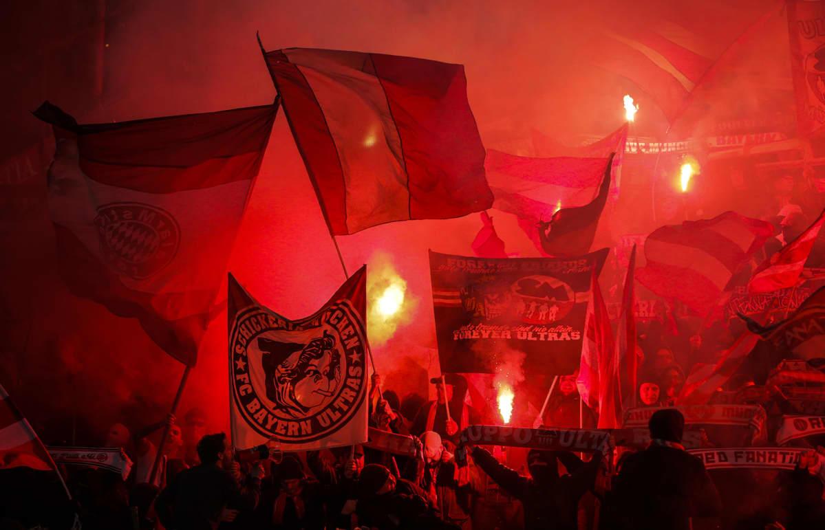 Bayernin fanit UEFA:n Mestarien liigan B-ryhmän jalkapallo-ottelussa Red Star Belgradin ja Bayern Münchenin välillä Belgradissa, Serbiassa 26. marraskuuta 2019