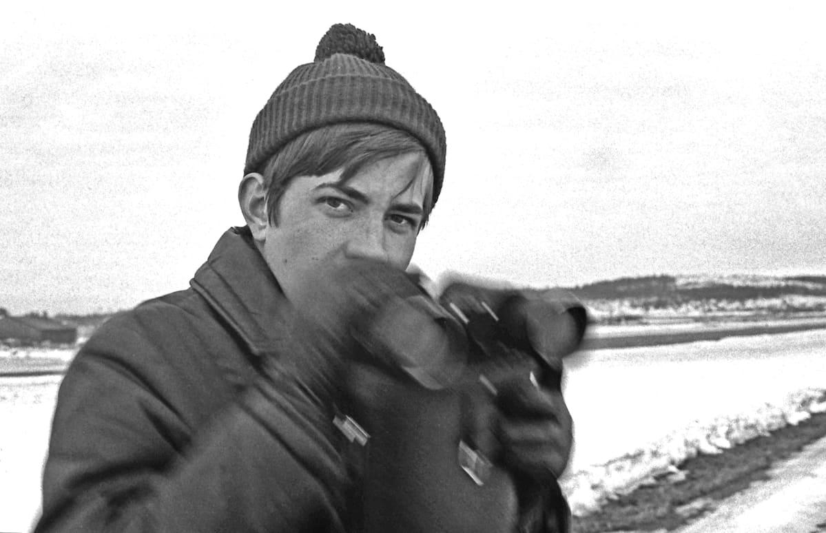 Heikki Parviainen Härmälän lentokentällä 1969