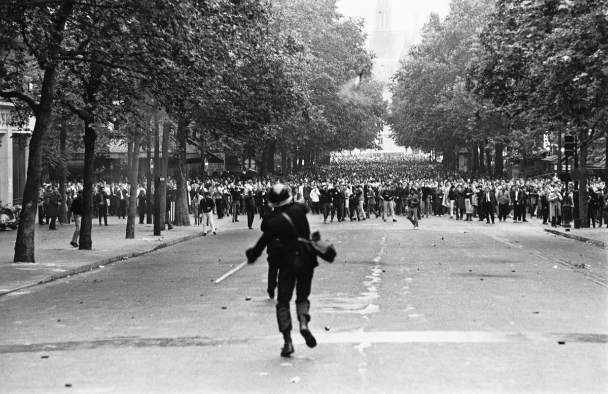 Opiskelijamielenosoitus Pariisissa vuonna 1968.