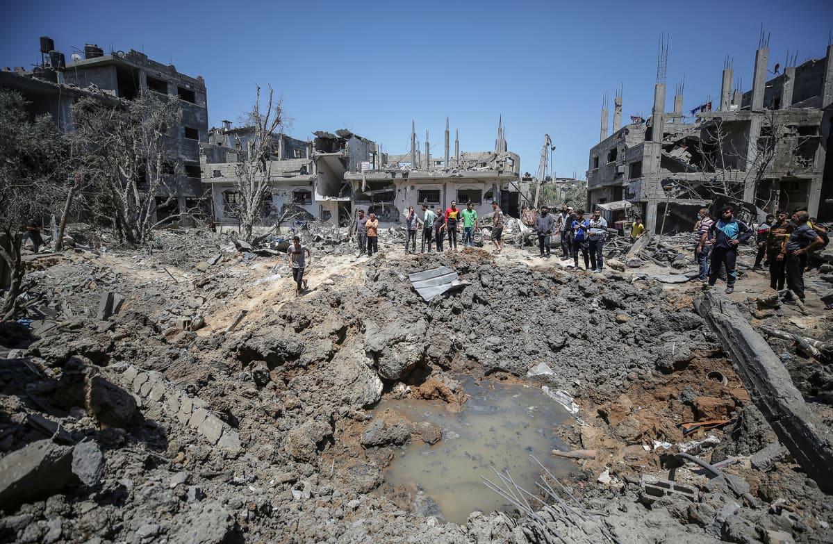 Israelin pommitusten jälkiä Beit Hanunissa Gazassa.