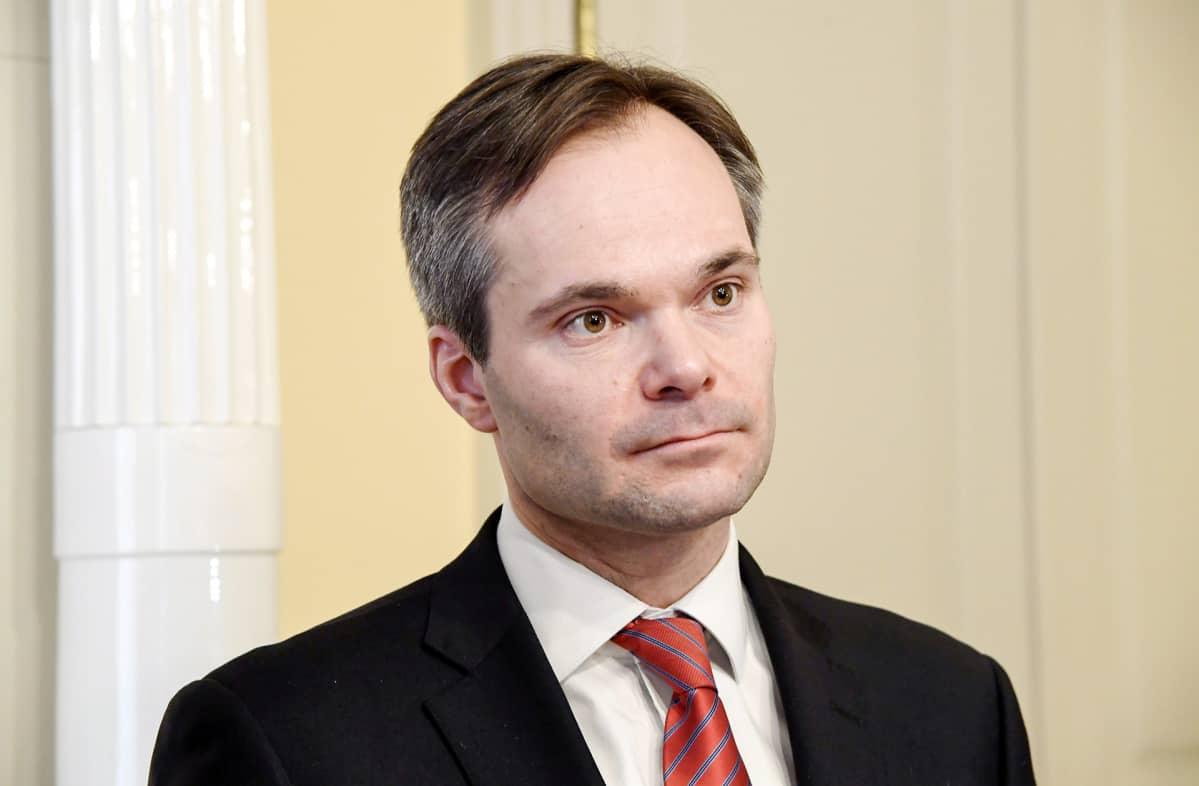 Sisäministeri Kai Mykkänen