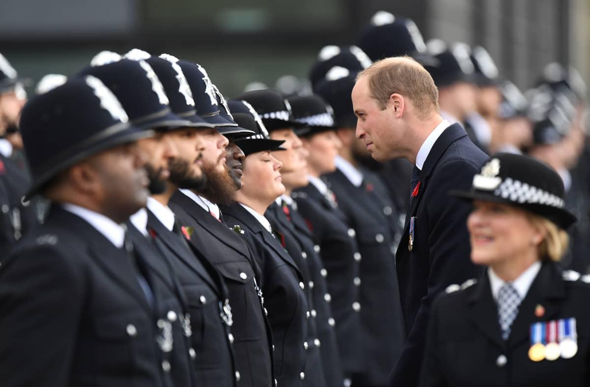 Prinssi William vieraili poliisien paraatissa Lontoon Hendonissa 3. marraskuuta.