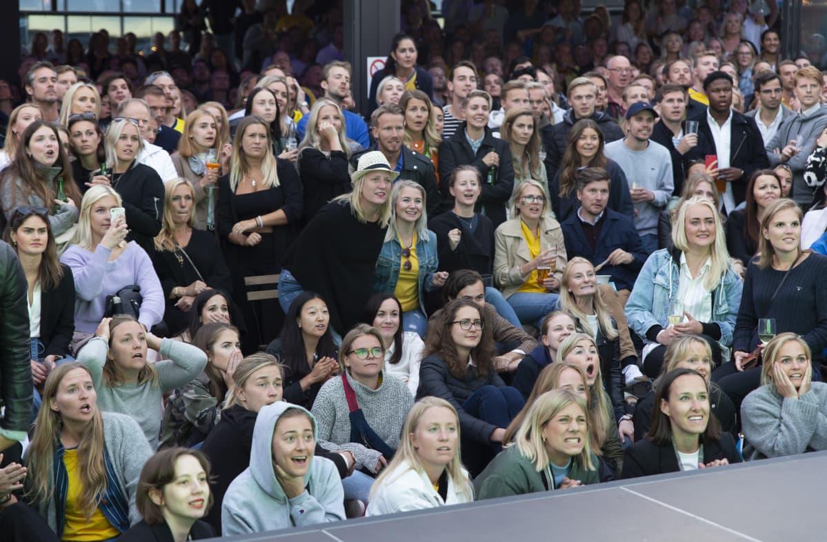 Tukholma, naisten Ruotsi-Hollanti jalkapallo-ottelu, kisakatsomo