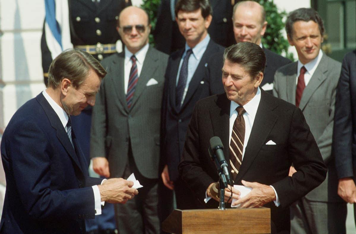 Mauno Koivisto ja Ronald Reagan.